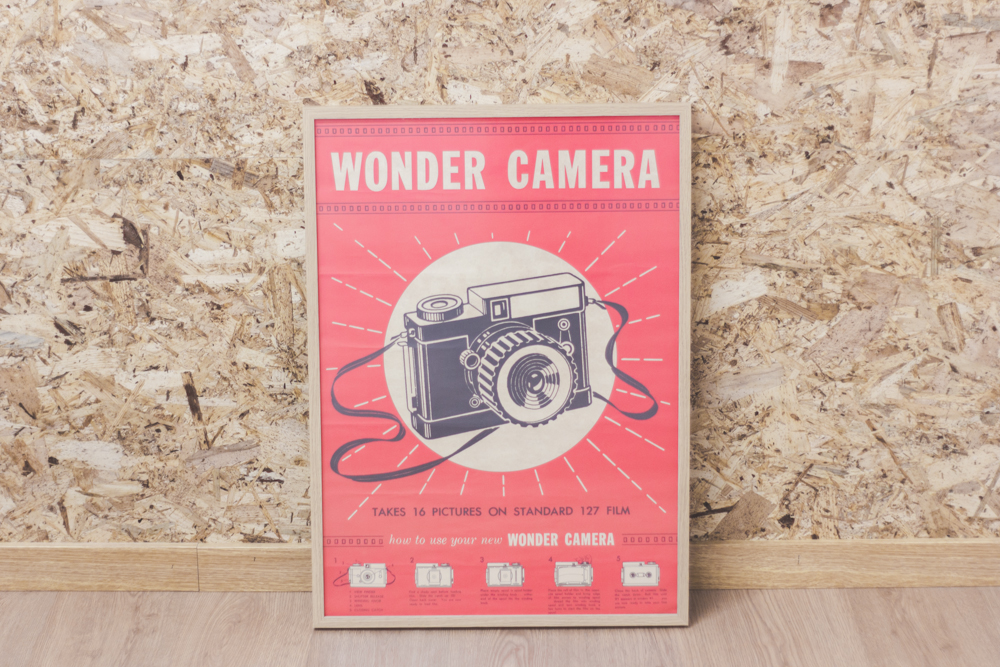 en nuestro estudio, lámina wonder camera para decorar