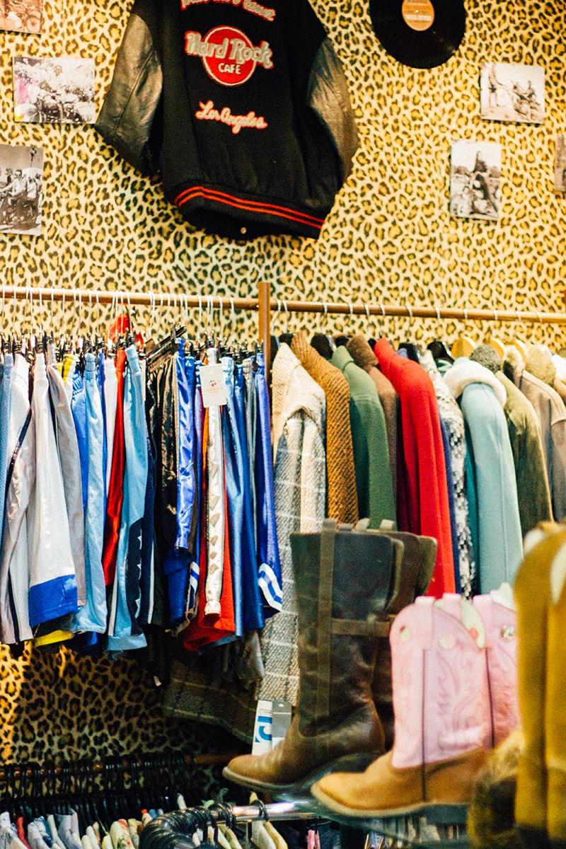 ropa vintage al peso en cherry bomb