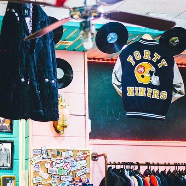 Identidad visual marca ropa vintage Albacete