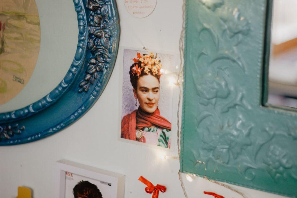 Detalle fotografía Frida Kahlo Solano Atelier